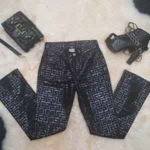 Guess Glamour Vintage 90's All Over Logo Jeans!